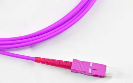 OM4万兆多模50/125um单芯φ2.0-3.0mm光纤跳线
