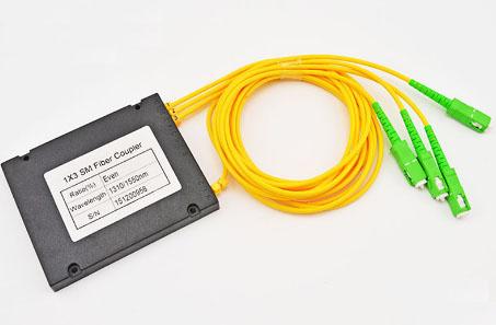 FBT单模拉锥1分3盒式封装式光纤分路器