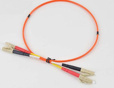 LC红黑尾套双芯光纤跳线